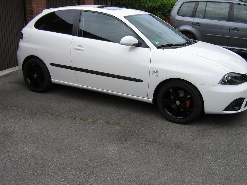 seat ibiza 1 4 16v sport edition in candy weiss seite 2. Black Bedroom Furniture Sets. Home Design Ideas